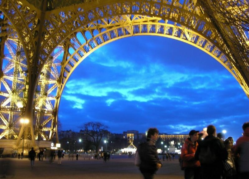 ET & Trocadero Sunset