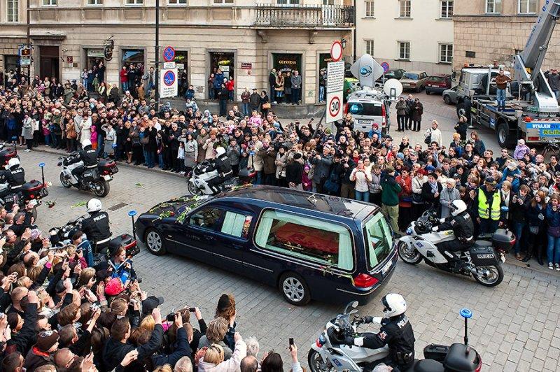 Presidents Body Returns To Warsaw