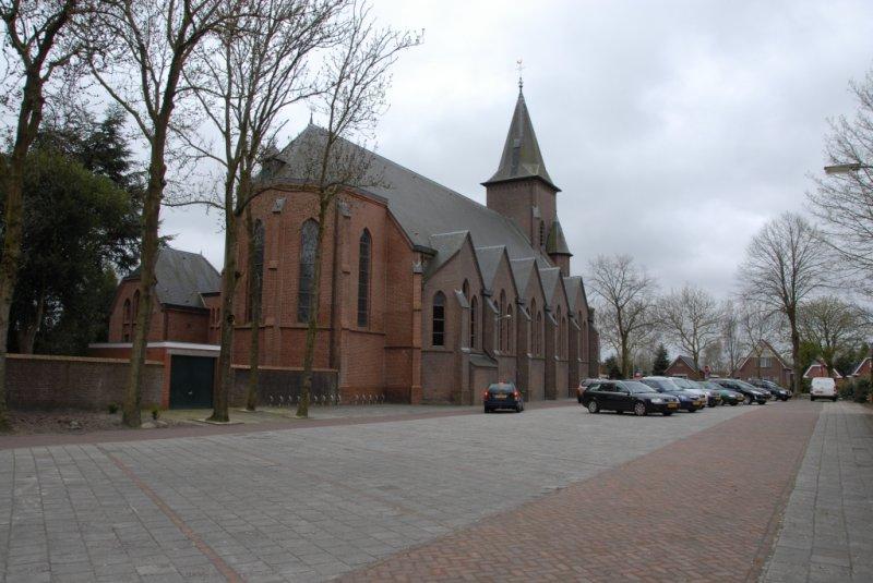 Musselkanaal, RK kerk [021], 2010.jpg