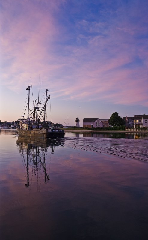 July : Silver Fox leaving Hyannis at Dawn