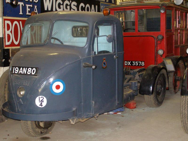 Scammell Mechanical Horse - 3 Wheeled Tractor Unit