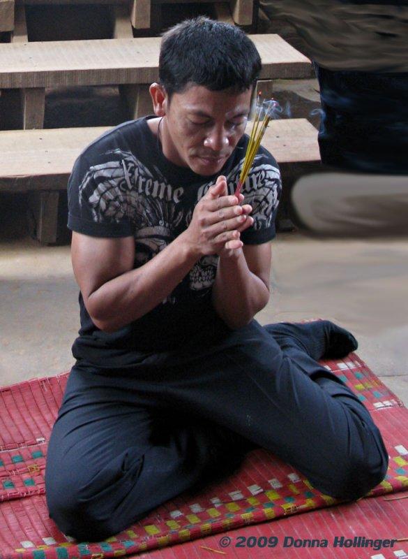 Sethi Praying at Angkor Wat