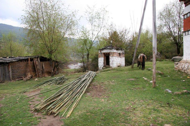 Shed, Poles, Chorten