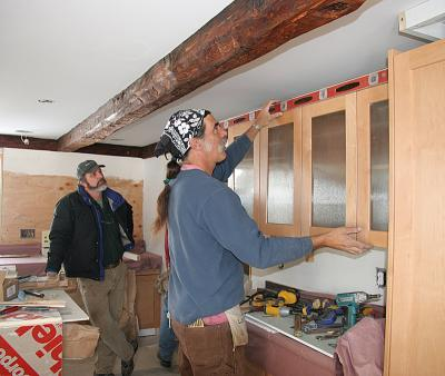 Levelling the cabinets