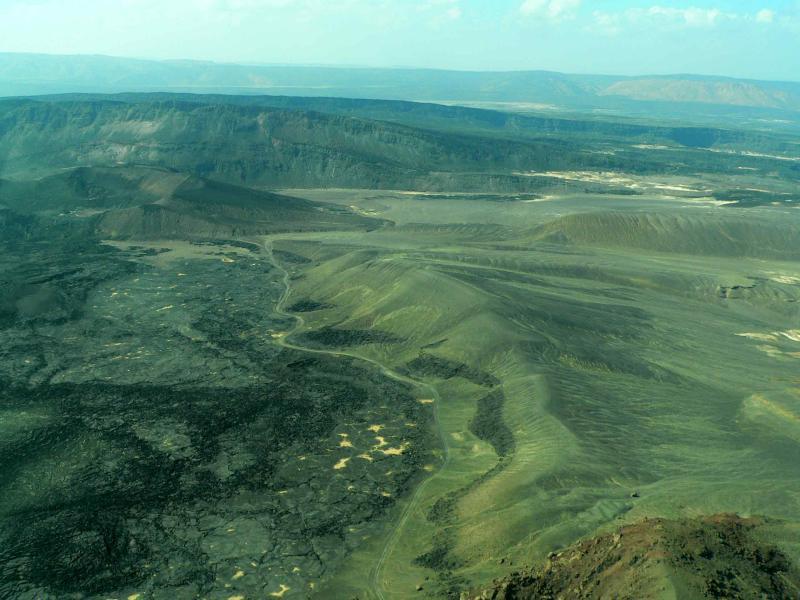 région volcanique entre lac assal et goubet.jpg