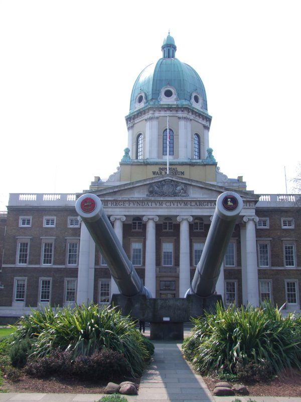 The  Imperial  War  Museum, S E1