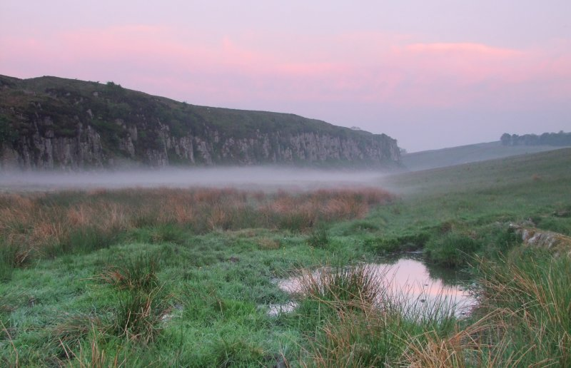 Morning  mist  infront  of  Peel  Crags.