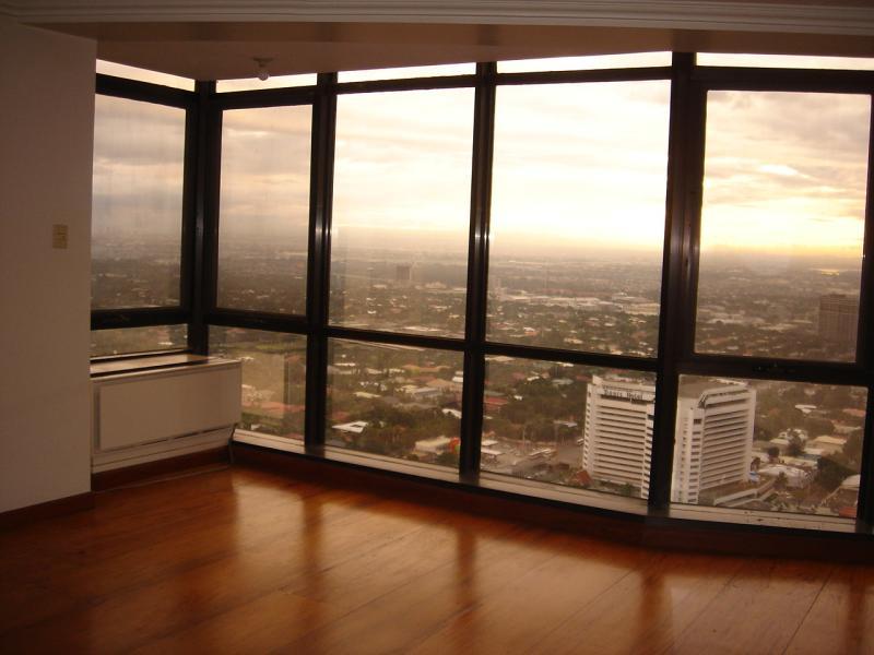 makati penthouse 025.jpg