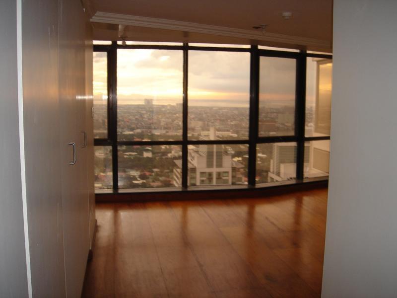 makati penthouse 024.jpg