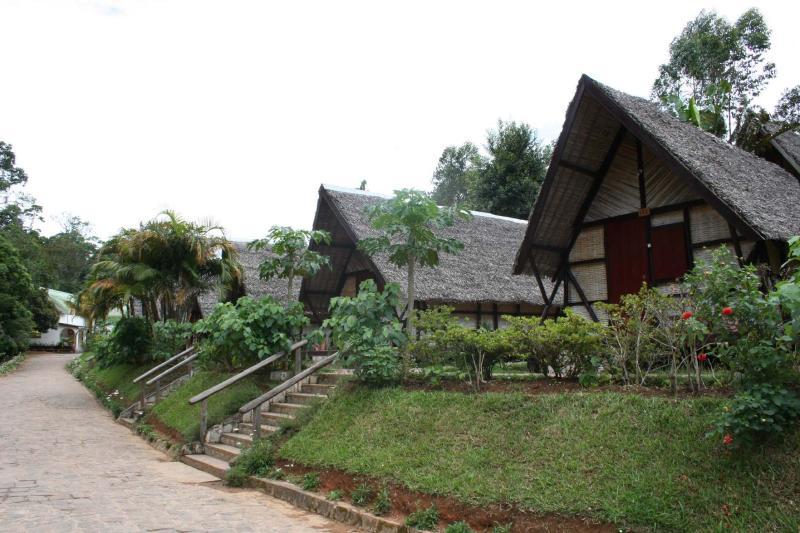 Feony Ala Hotel Andasibe 2.I.2006 3.JPG