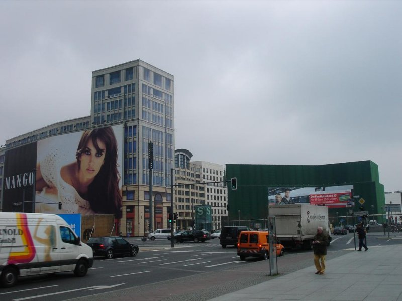 some pix frm around Potsdamer Platz