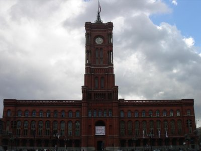 the Rotes Rathaus (Red State House)