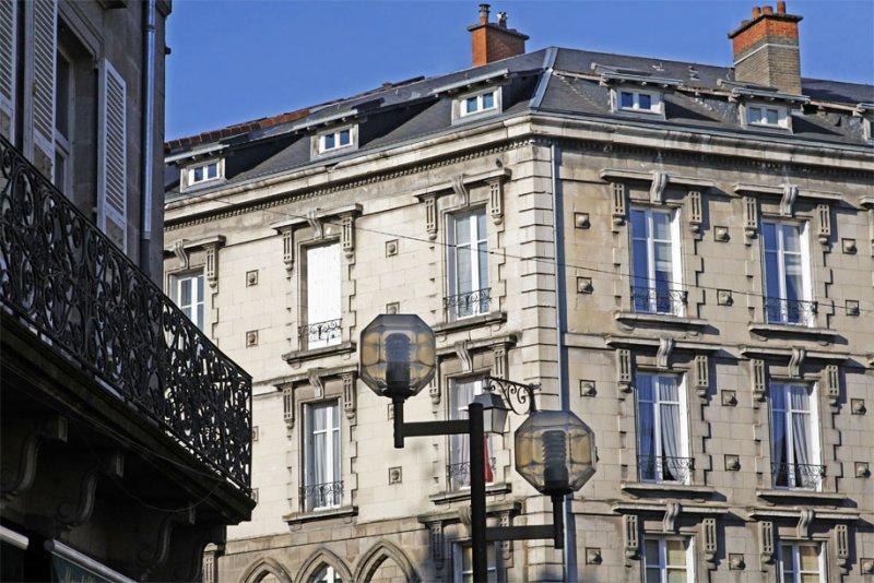 Vers la Place Des Bancs