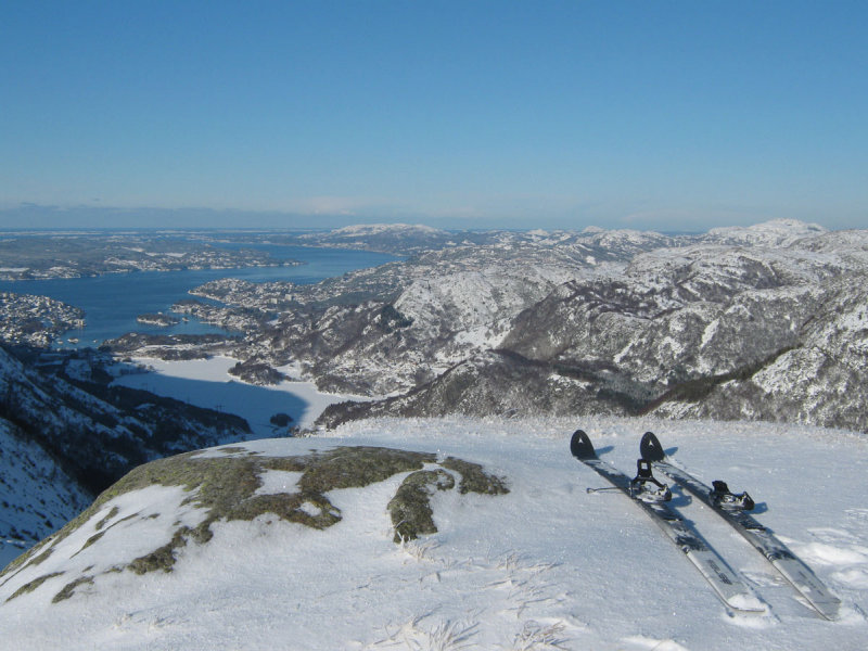 my skis and view from Jordalskaret :-)