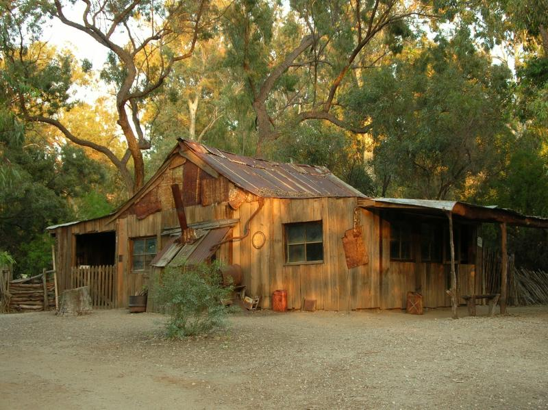 Drovers Woolshed late in the day