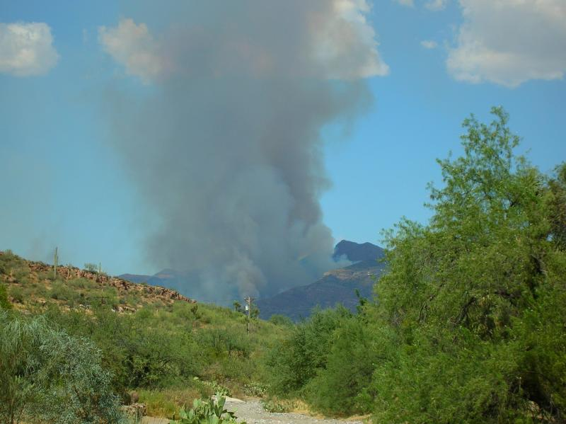 Peachville fire visible from Boyce Thompson Arboretum