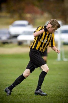 s soccer div2 19-4-08 01.jpg