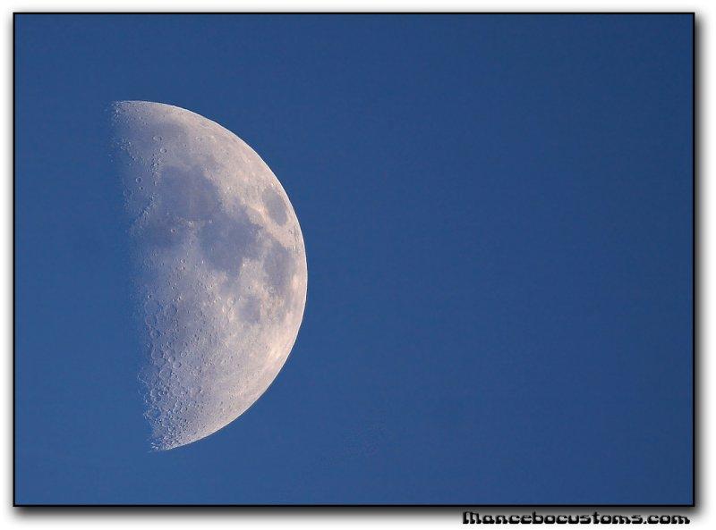 moon5690.jpg