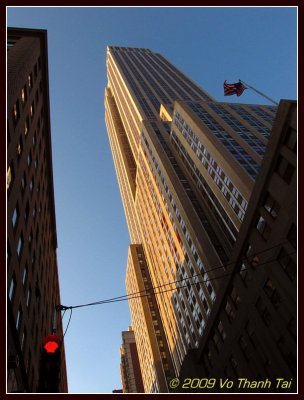 Looking up to Empire State Bldg
