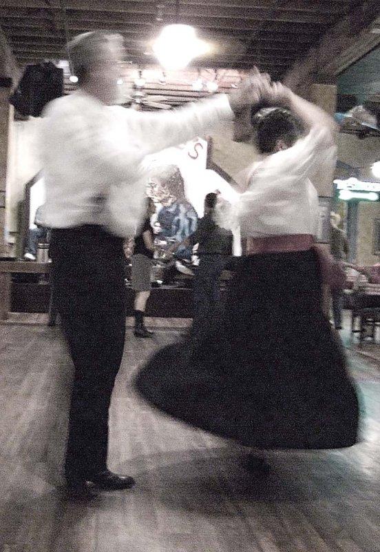 Pbase B  W Dancing November 28 R1012129.jpg