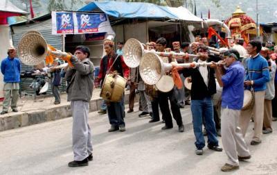 Kullu Dussehra, Music for the Gods