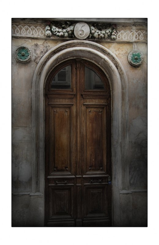 En pensant aux portes de Bruno Papuchon
