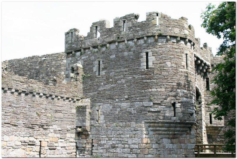 Beaumaris Castle  0827.jpg