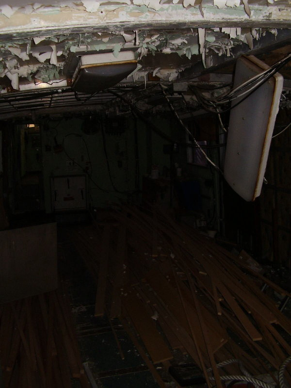 Yup... this interior room (on the rear deck) isnt quite finished yet.