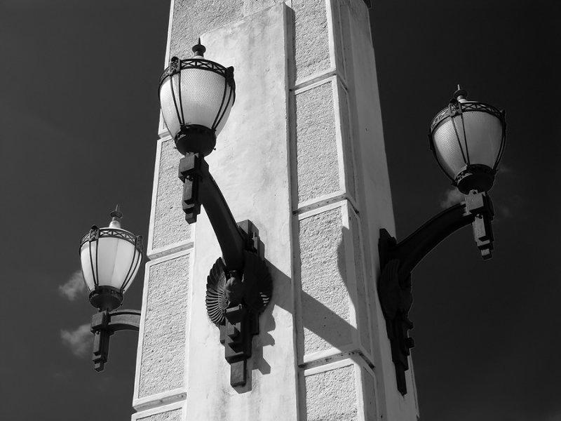 Street Lamps_bw.jpg