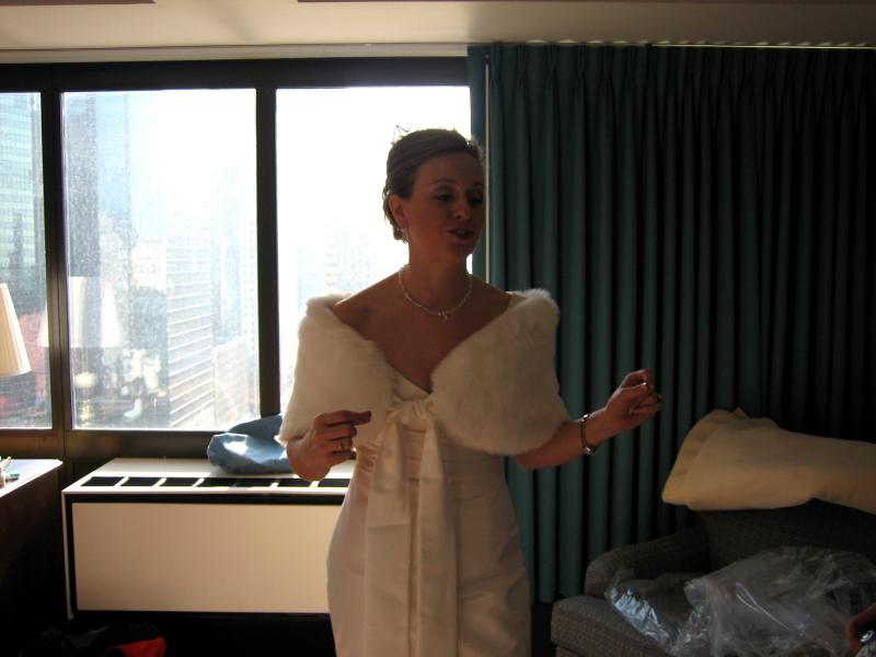 getting ready in the bridal suite at the Holiday Inn at the Merchandise Mart
