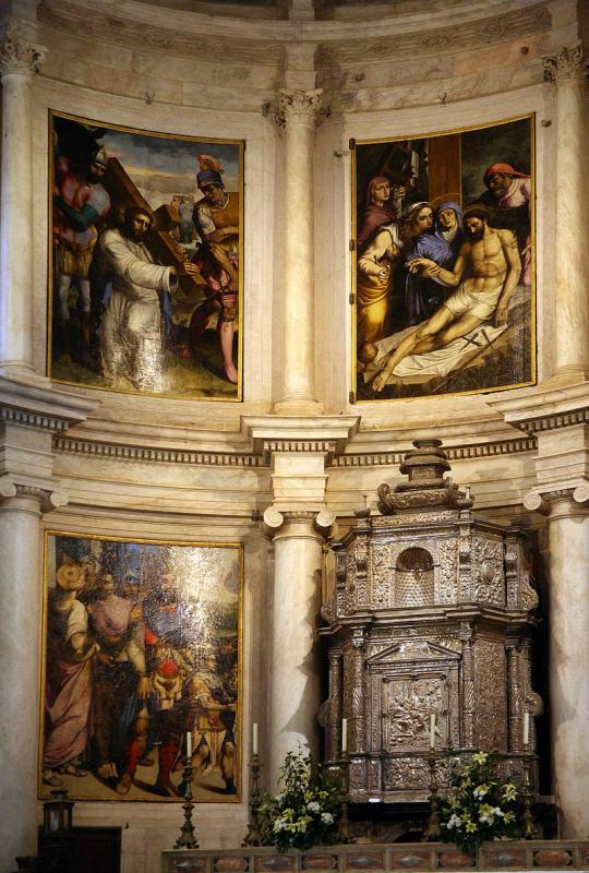 Paintings above the altar  2050