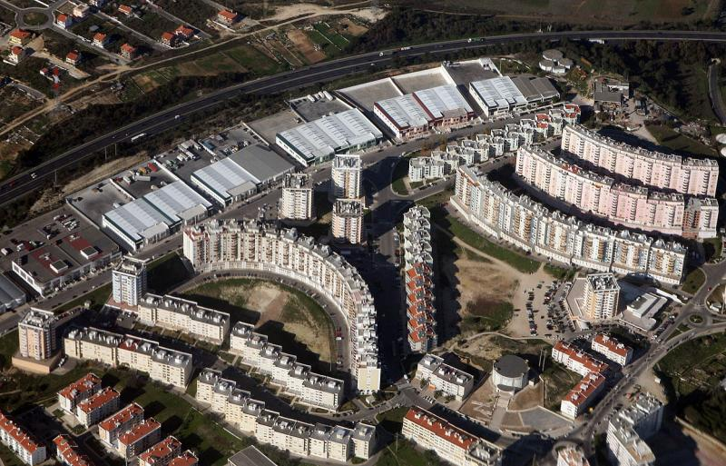 Housing complexes north of Lisbon 3055
