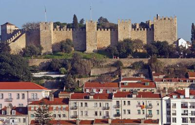 View of the castle from the town 4538