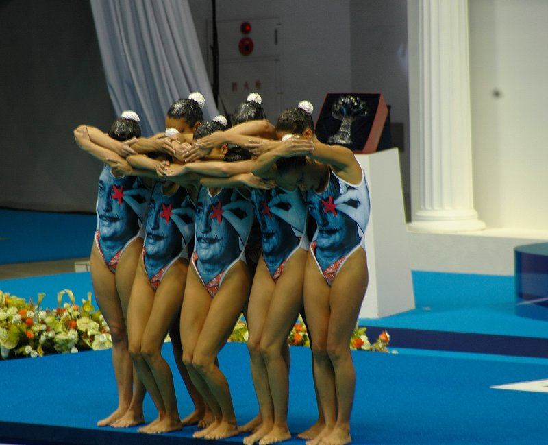 The Spanish team start formation ( Notice the S. Dali swim suits!)