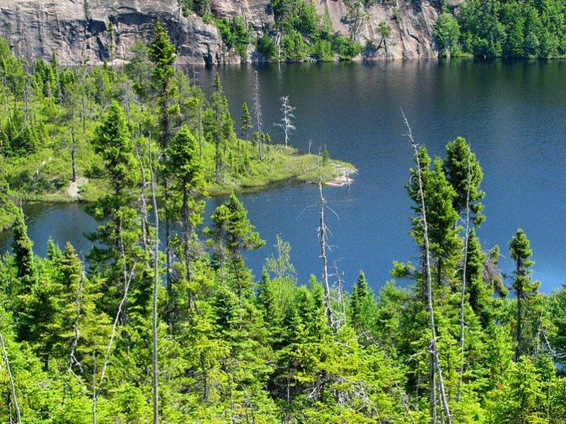 le lac au bord de la route de Baie Comeau