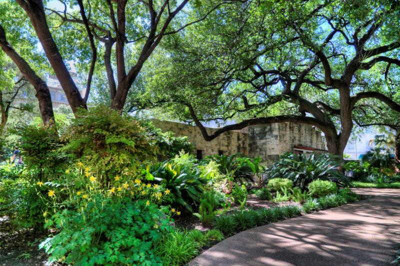 APR_0763_PHDR Alamo Courtyard