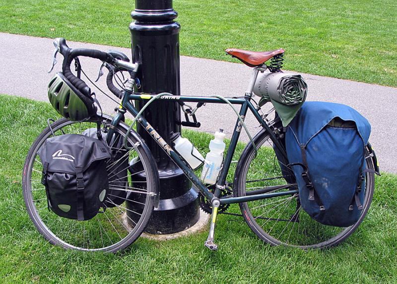 007  Ben - Touring through Maine - Trek 520 touring bike