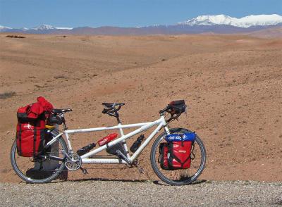 028  Gerben & Alpona - Touring Morocco - Cannondale RT1000 touring bike
