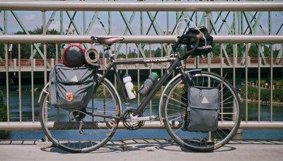 214  Kyle - Touring Oregon - Cannondale SH400 touring bike