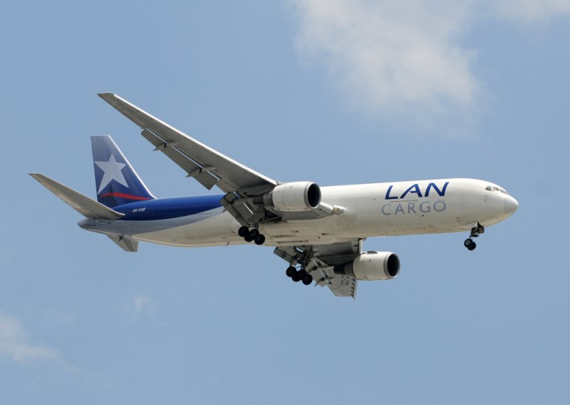 LAN Cargo Boeing 767-300 ( CC-CZZ )
