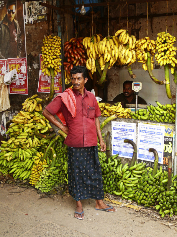 Banana seller Kollam.jpg