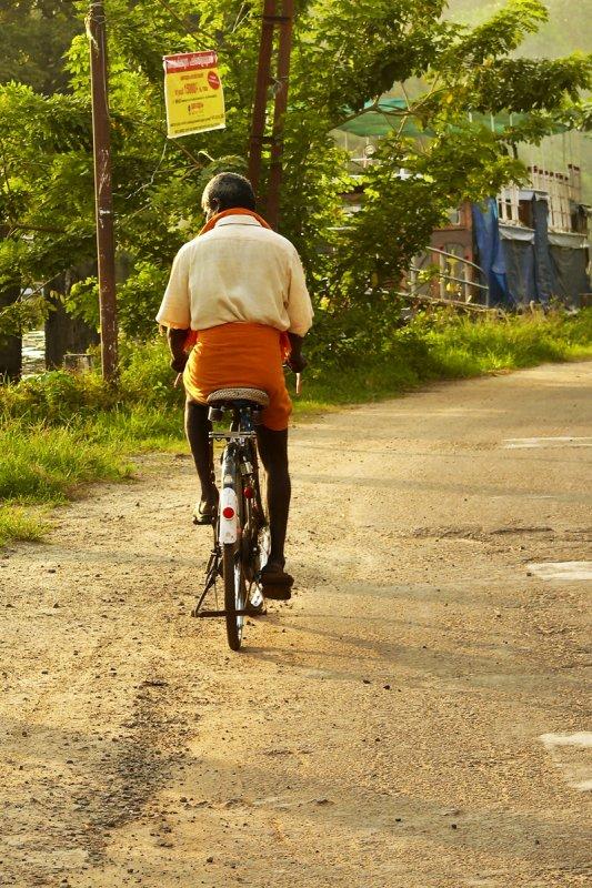 Cyclist in Alleppey.jpg