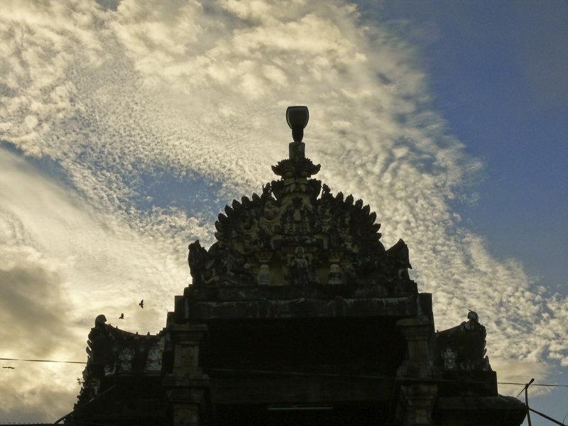 Sunset temple Trivandrum.jpg