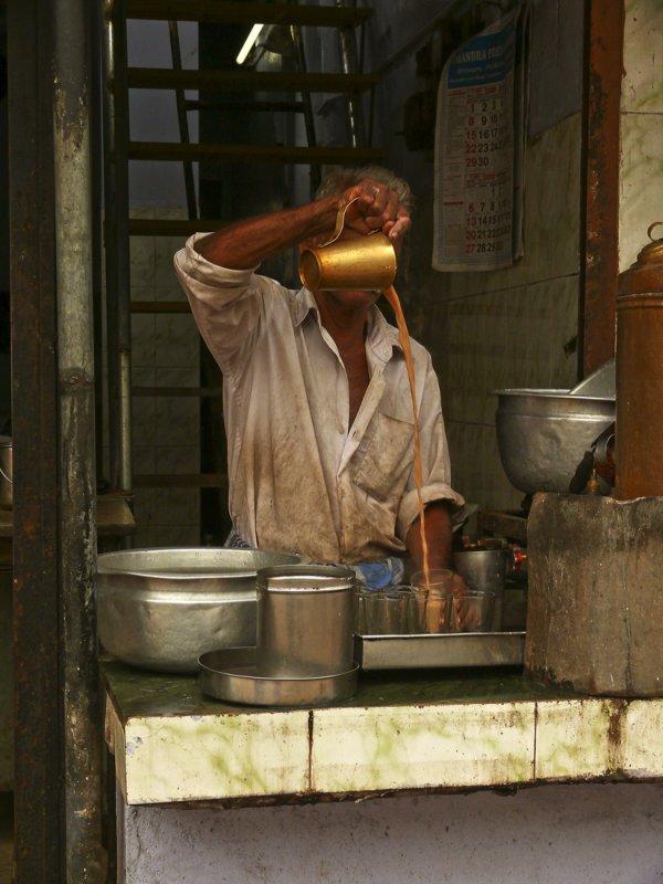 Tea maker 2.jpg