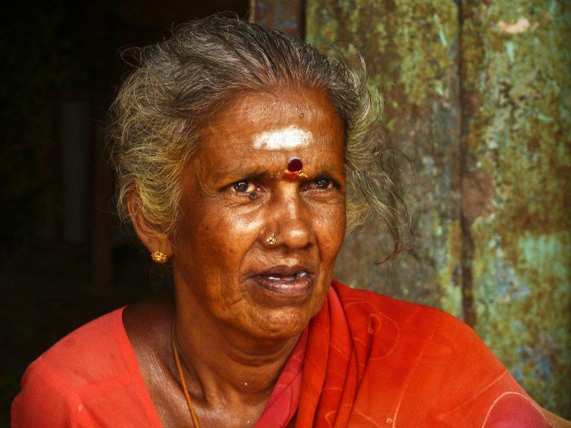 Market lady Madurai.jpg