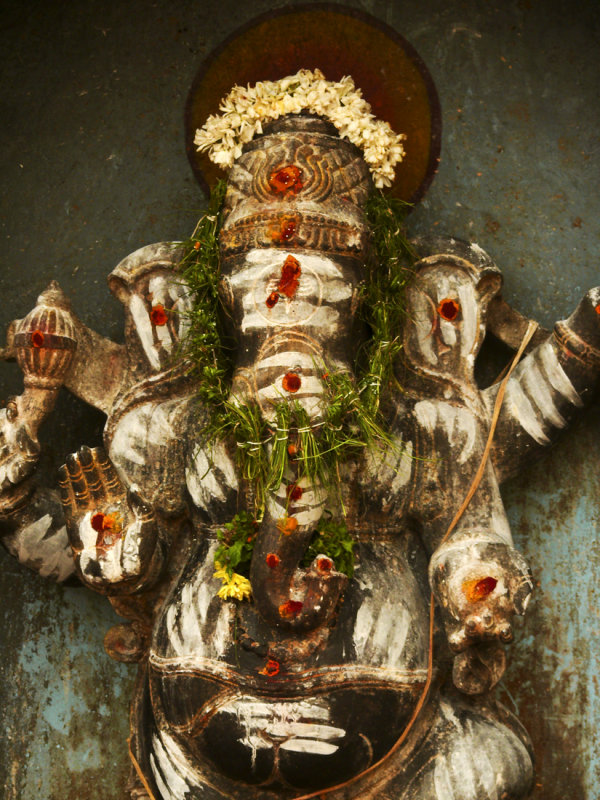 Ganesh decorated with offerings.jpg