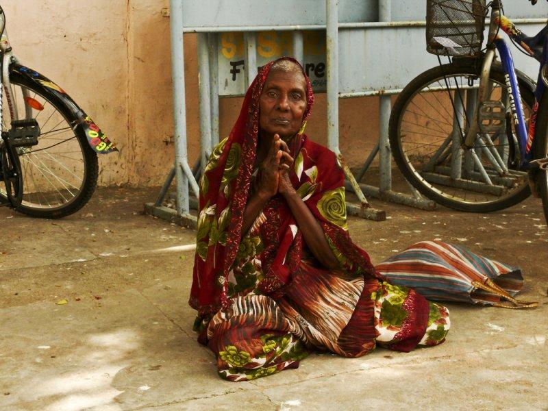 Begging woman.jpg