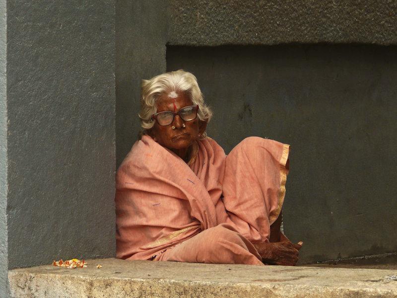 Woman Kanchipuram.jpg