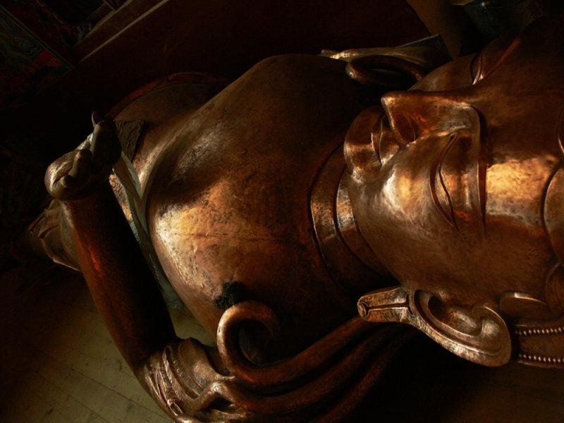 Lying down buddha