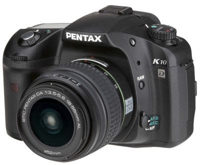 Pentax_K10D_3-4_wogrip_wlens.jpg